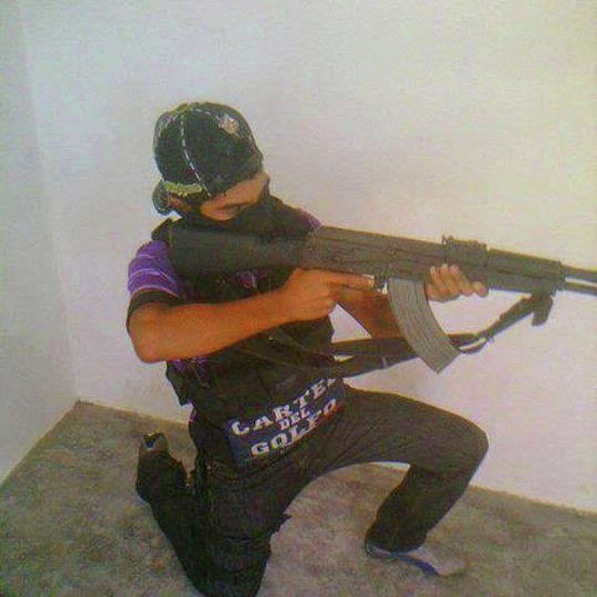 Photos published by El Blog del Narco purport to show gunmen with the Gulf Cartel showing off weapons in Tamaulipas, Mexico.