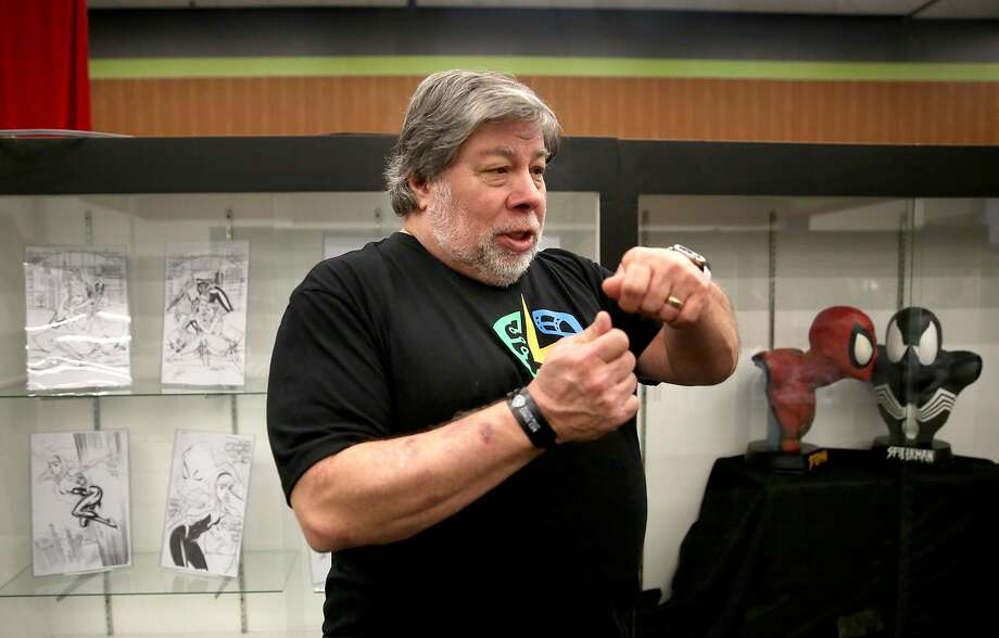 Steve Wozniak shows the Stan Lee museum at the first Silicon Valley Comic Con in San Jose in 2016. Photo: Liz Hafalia / The Chronicle 2016