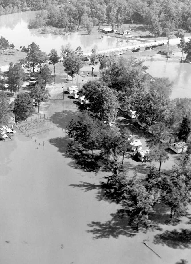 Scenes from the Deweyville flood in 1953. Photo: Enterprise File