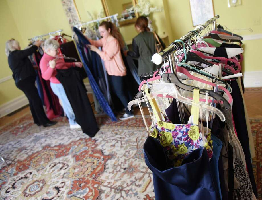 Used Prom Dress Sale Comes To Notre Dame Connecticut Post