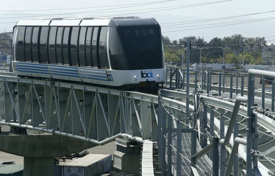 Ridership on BART's connector to the Oakland airport  has been dropping below the 2,800 rides needed for the line to break even. Photo: Paul Chinn, The Chronicle