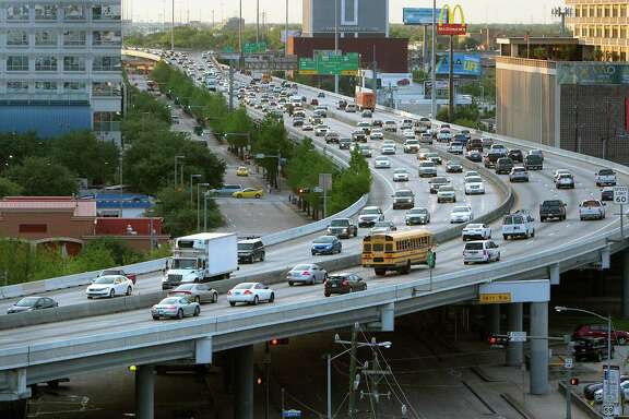 Traffic travels along the Pierce Elevated of Interstate 45 in Houston. (Cody Duty/Houston Chronicle via AP)