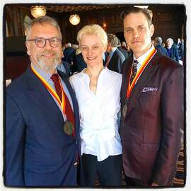 Chronicle Books CEO Nion McEvoy (left) with Museum of Performance + Design Executive Director Muriel Maffrie and author Robert Mailer Anderson at the museum's Arts Medallion lunch. March 2016.