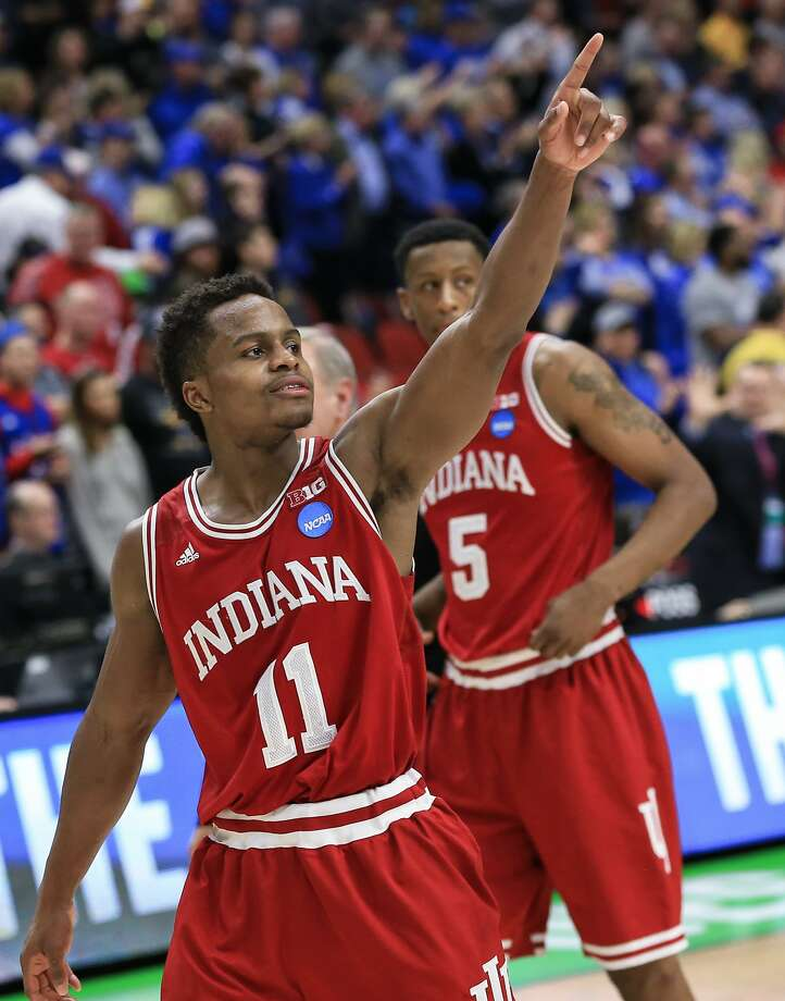 Indiana's Kevin Yogi Ferrell, who had 18 points, acknowledges Hoosier fans in Des Moines, Iowa. Photo: Nati Harnik, AP