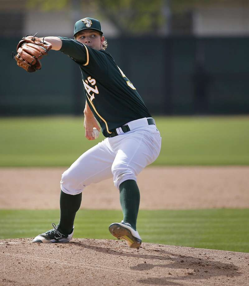 Sonny Gray, 54 throws during the Oakland Athletics spring training workouts on Monday February 29, 2016, in Mesa, Arizona. Photo: Michael Macor, The Chronicle