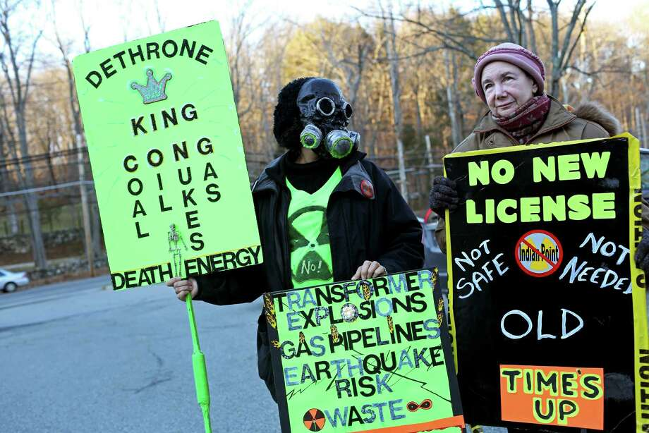 Protesters turn up heat in fossil fuel fight thumbnail