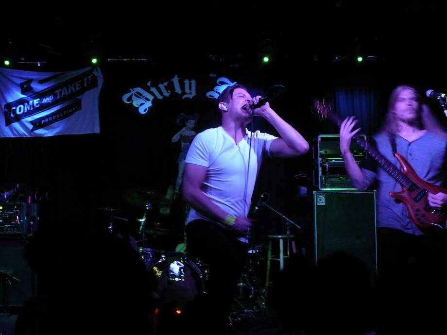 Memories in Broken Glass rock Dirty Dog Bar on Sixth Street. Photo: Jim Kiest