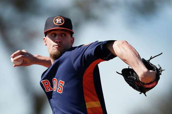 Houston Astros pitcher Ken Giles live pitches at the Astros spring training in Kissimmee, Florida, Friday, Feb. 26, 2016.( Karen Warren / Houston Chronicle )