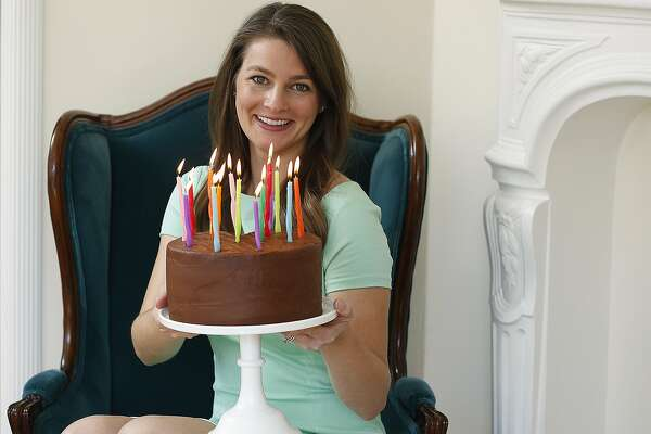 Astonishing A Millennial Betty Crocker Offers Organic Cake From A Box Funny Birthday Cards Online Elaedamsfinfo