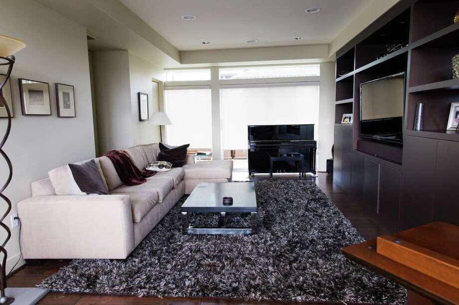 BEFORE: This family room got a brand-new look from Decorist design team Massucco Warner Miller.