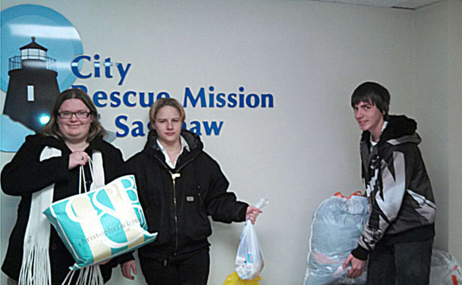 Photo providedHemlock students deliver clothing and hygiene products to the Saginaw City Rescue Mission. Photo: Jack Telfer
