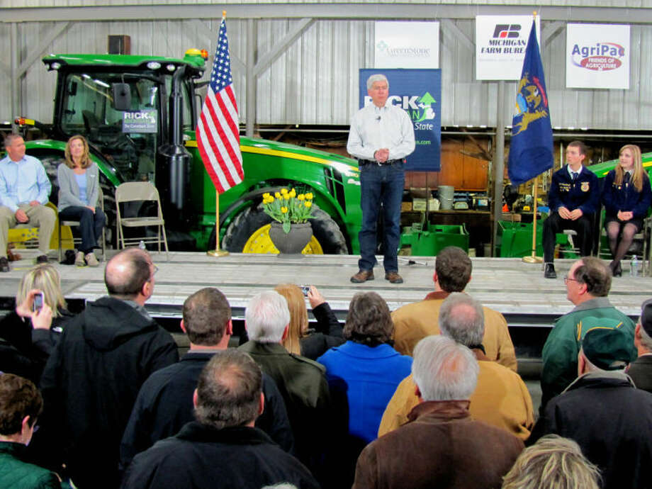 Gov. Rick Snyder speaks at a farm near St. Louis on Tuesday. Photo: JOHN KENNETT | Jkennett@mdn.net