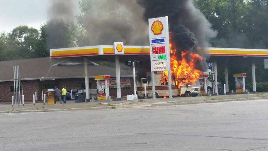 motor home fire at m-20 gas station - midland daily news