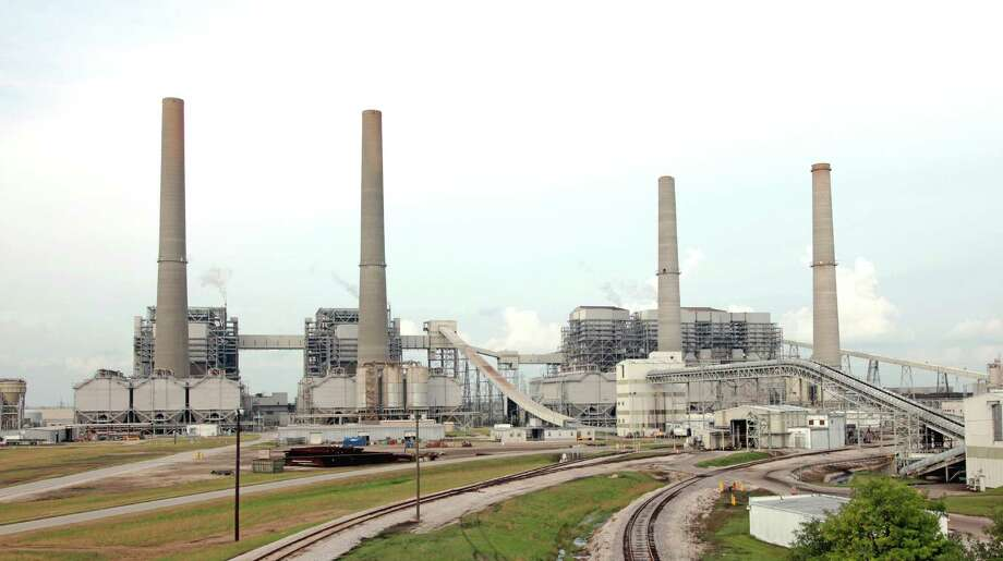 Western states continue to shift away from coal-fired power plants like this W.A. Parish station, where NRG Energy is installing carbon-capture technology.  Photo: NRG Energy
