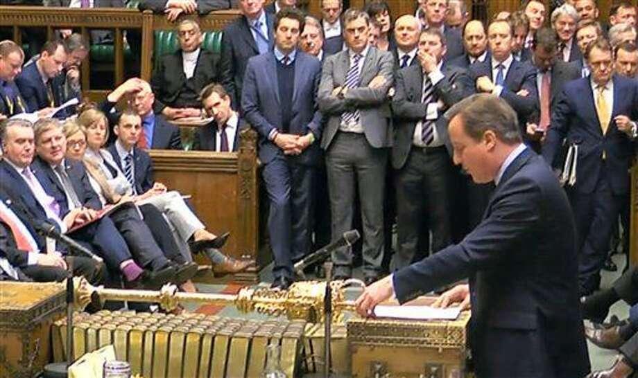 En la imagen, tomada a partir de un video, el primer ministro británico, David Cameron, durante un discurso a miembros del Parlamento, en la Cámara de los Comunes de Londres, el 22 de febrero de 2016, sobre su posición sobre la pertenencia de Gran Bretaña a la Unión Europea. (PA via AP) UNITED KINGDOM OUT NO SALES NO ARCHIVE Photo: Uncredited