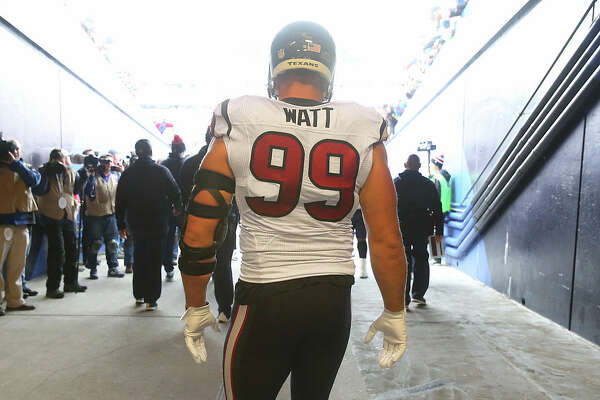 ORCHARD PARK, NY - DECEMBER 6: J.J. Watt #99 of the Houston Texans takes the field as he walks out from the runway before the start of their game against the Buffalo Bills during NFL game action at Ralph Wilson Stadium on December 6, 2015 in Orchard Park, New York.