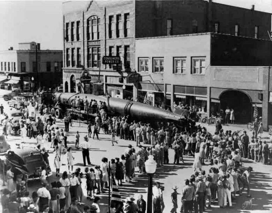 Courtesy Midland County Historical SocietyA captured Japanese mini submarine drew a big crowd to Main Street in Midland on July 15, 1943.
