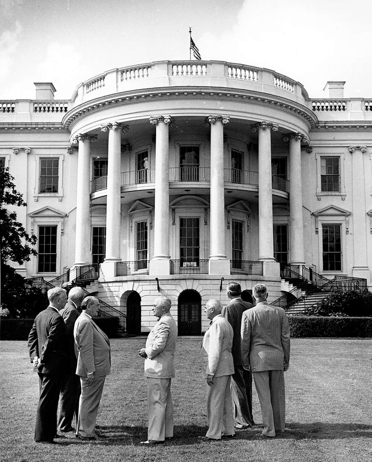 President Truman and the Committee for the Renovation of the Executive Mansion, 1949