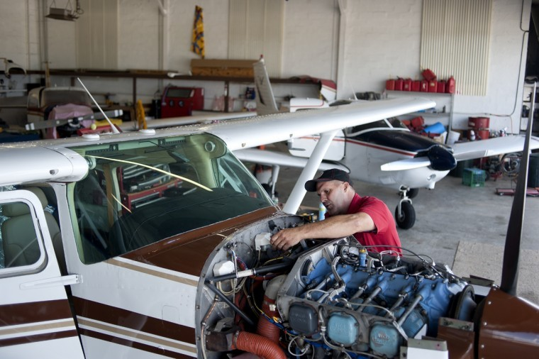 Aircraft mechanic thesis