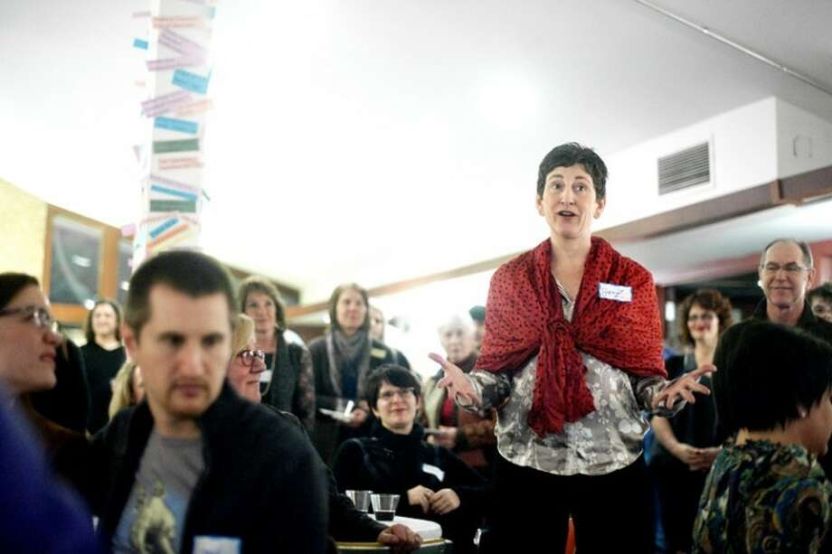 THOMAS SIMONETTI | tsimonetti@mdn.net Jennifer Zantow of Midland shares with a story about how the Creative Spirit Center and Creative 360 helped her children transition from Saginaw to Midland, at a fundraiser on Thursday. Photo: Thomas Simonetti