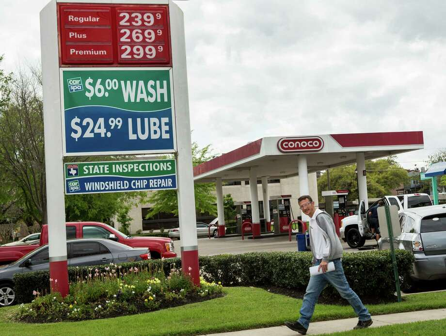 Factors, both local and global, are believed to drive up prices at the pumps now and into summer. Photo: Brett Coomer, Staff / © 2016 Houston Chronicle