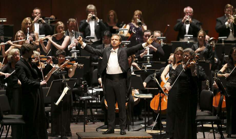 San Antonio Symphony Musical Director Sebastian Lang-Lessing conducting the orchestra during the opening of the Tobin Center for the Performing Arts in 2014. Photo: Staff File Photo / © 2014 San Antonio Express-News