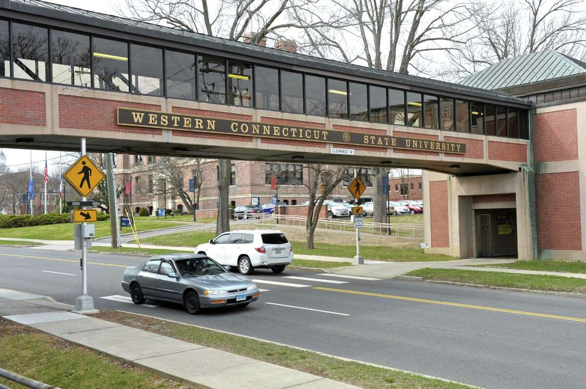 Connecticut State College and University system enrollment totals System Community Colleges in Spring 2016:47,889 (-7.0 percent) System Community Colleges inSpring 2015:51,489 System Community Colleges inFall 2015:52,761 (-4.3 percent) System Community Colleges inFall 2014:55,154 System Colleges and universities in Spring 2016:31,677 (-1.2 percent) System Colleges and universities in Spring 2015:32,055 System Colleges and universities in Fall 2015:33,646 (-1.3 percent) System Colleges and universities in Fall 2014:34,101