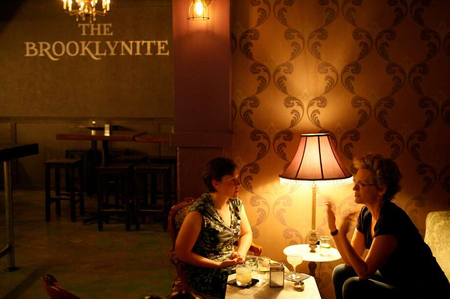 The Brooklynite is a stylish spot for a cocktail and conversation. Photo: Cynthia Esparza /San Antonio Express-News / San Antonio Express-News