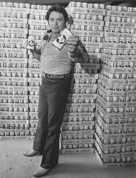 Mickey Gilley promotes Gilley's Beer in 1979. Photo: Fred Bunch, HP Staff / Houston Chronicle