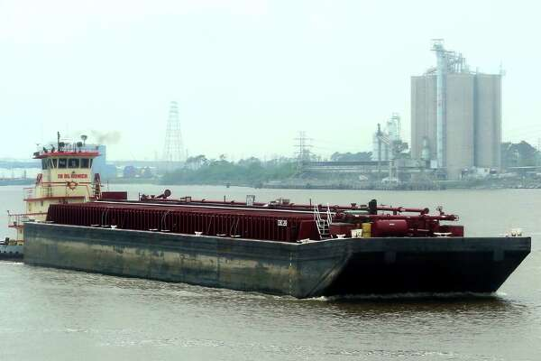 Tug and towboat industry awaits new safety rules