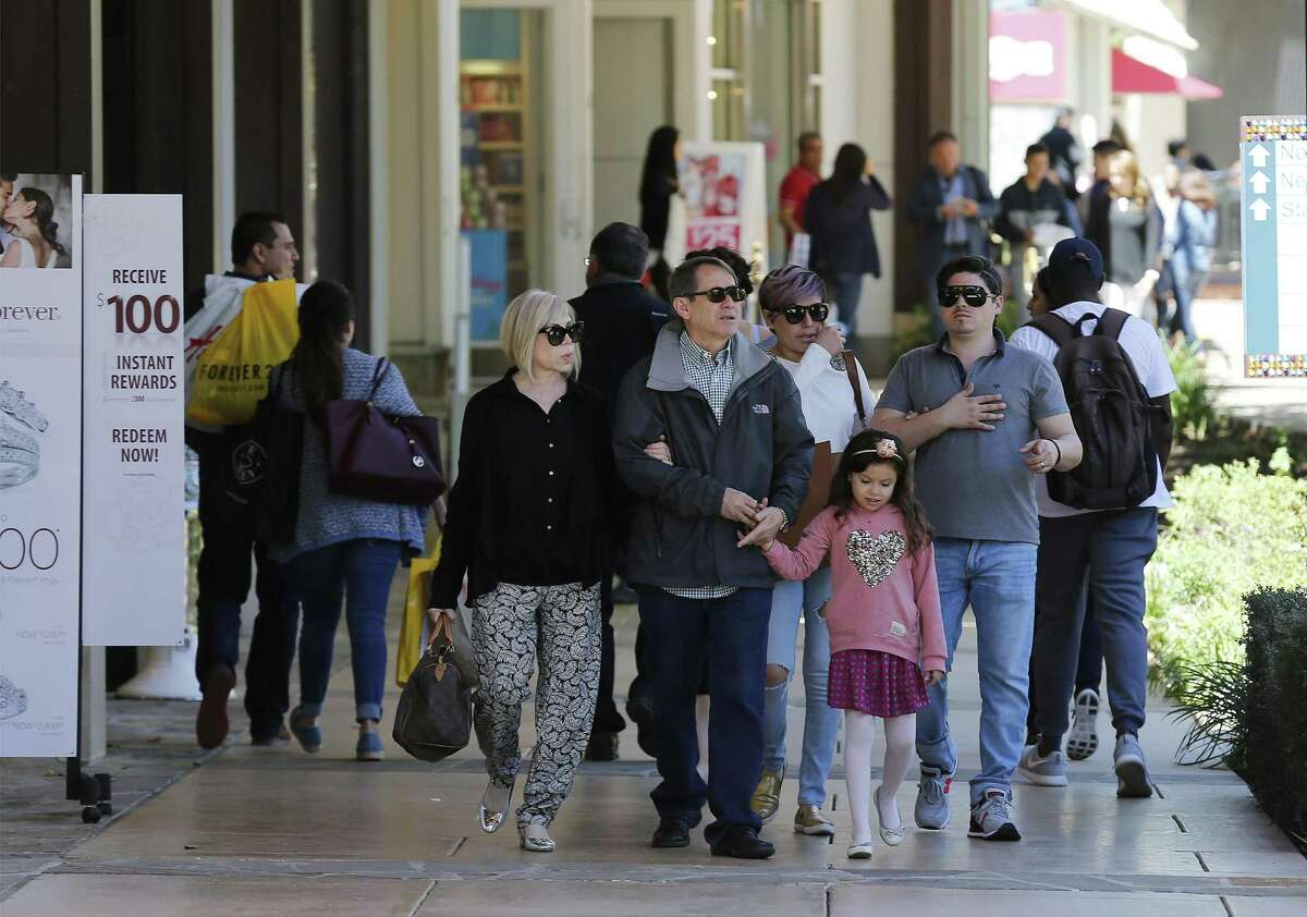 Shoppers from Mexico and along the border make their way to San Antonio to shop and vacation during Holy Week or Semana Santa. The Shops at La Cantera was one of many locations for vacationing consumers to seek out as a primary shopping destination in the city.