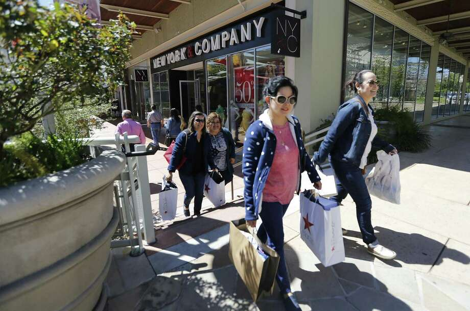 Texas sales tax receipts have risen sharply in the past three months. Sales tax revenue rose 10.8 percent for the three-month period ended in January, according to the comptroller's office. Photo: Kin Man Hui /San Antonio Express-News / ©2016 San Antonio Express-News