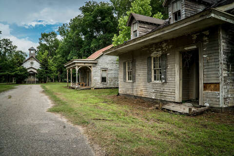 San Marcos, Texas photographer shares 'haunting' photos of abandoned