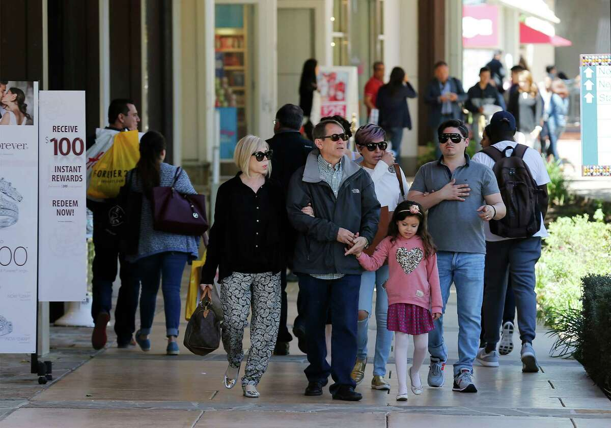 Shoppers from Mexico and along the border make their way to San Antonio to shop and vacation during Holy Week or Semana Santa. The Shops at La Cantera was one of many locations for vacationing consumers to seek out as a primary shopping destination in the city. (Kin Man Hui/San Antonio Express-News)