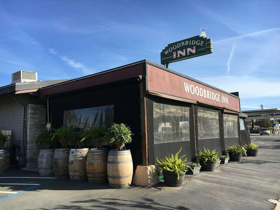 The Woodbridge Inn restaurant near Lodi Lake in Lodi. Photo: Spud Hilton, The Chronicle