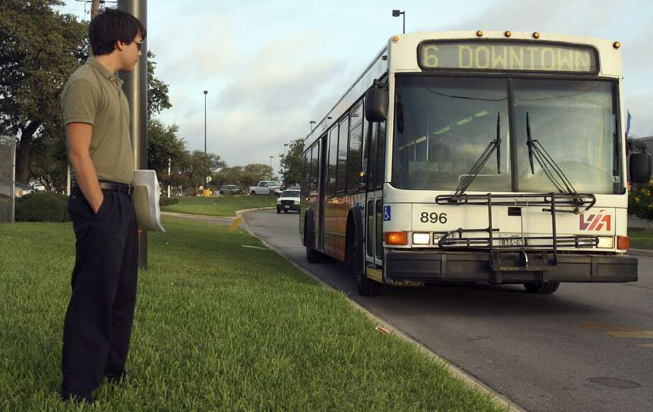 Residents of Castle Hills be be deciding on May 7 whether to keep or cut VIA Metropolitan Transit bus service. Cutting srvice would be penny-wise and pound-foolish Photo: JOHN DAVENPORT /SAN ANTONIO EXPRESS-NEWS / jdavenport@express-news.net