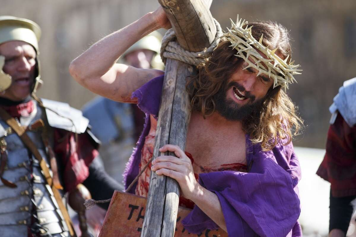 Around the world actors perform as Jesus Christ in Passion Plays that celebrate Easter. Keep clicking to learn more about this Catholic tradition.
