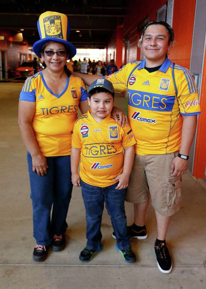 Fans get ready to watch the Tigres UANL and Club America,  play an exhibition game at BBVA Compass Stadium, Saturday, March 26, 2016. Rockets won 112-109. Photo: Karen Warren, Houston Chronicle / © 2016  Houston Chronicle