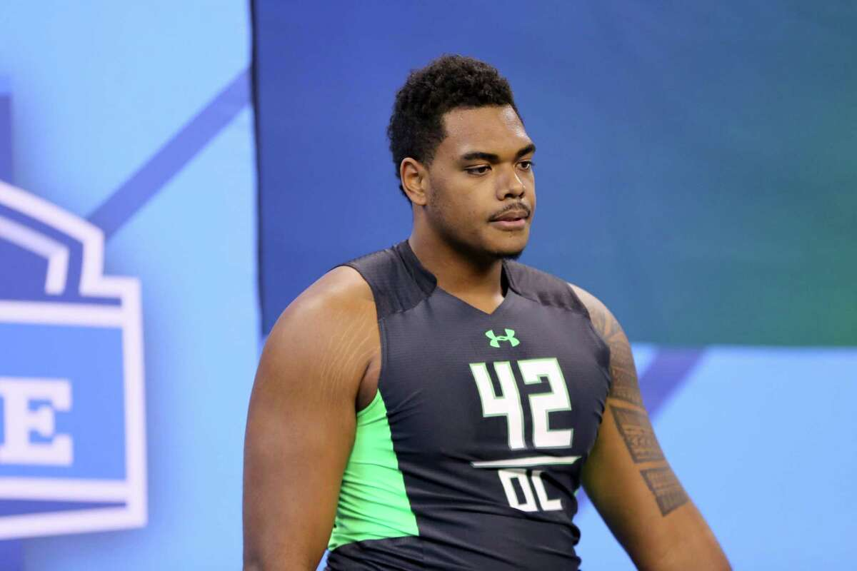 T Ronnie Stanley, Notre Dame Height/weight: 6-6, 312 40-yard dash: 5.18 Ranked just a tad behind Tunsil, but some teams like him better. He's got a huge wingspan, can slide his feet as well as any blocker in this draft and has nimble feet to recover when knocked off balance. A wide base, strong hands, shows impressive flexibility. Should go in the top 10.