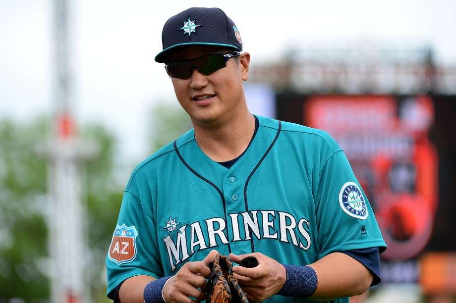 Blue Jays claim Jesus Montero from Mariners