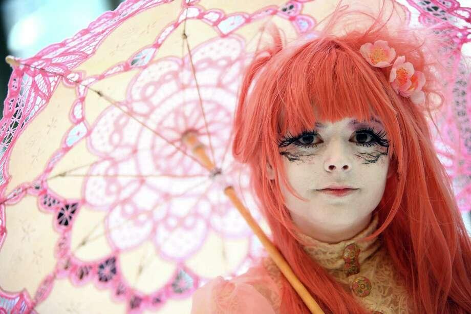 Sara Nelson is dressed in a Japanese fashion called Shiro Nuri during Sakura-Con anime convention, Sunday, Mar. 27, 2016 at the Washington State Convention Center. Photo: GENNA MARTIN, SEATTLEPI.COM / SEATTLEPI.COM