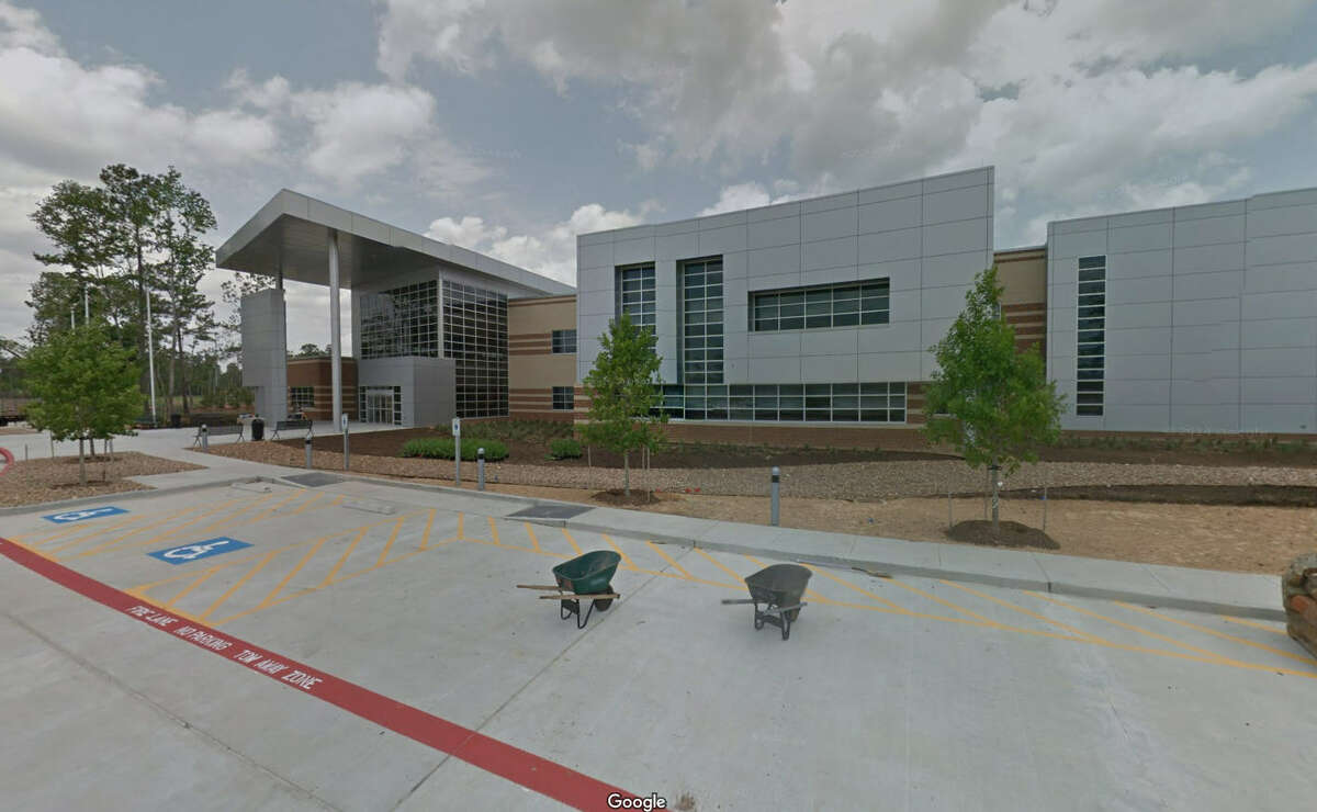 18.Quest Early College High School -Humble ISD Student-teacher ratio:18:1 Teachers in first/second year:13.5 percent