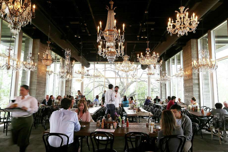 Beneath its chandeliers, The Dunlavy offer a luxe setting for its semi-service breakfast. Photo: Elizabeth Conley, Staff / © 2016 Houston Chronicle