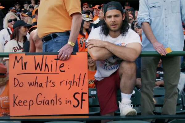 Brandon Crawford reenacts famous Candlestick Park photo in new ad