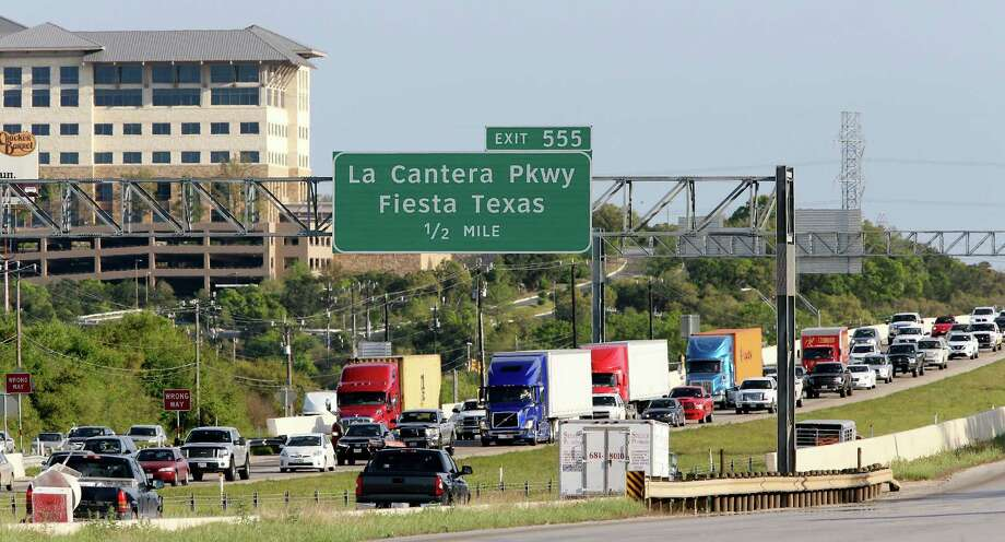 The Texas Transportation Commission approved a plan to expand I-10 between La Cantera Parkway and Ralph Fair Road by building two new lanes in each direction. One will be a high-occupancy vehicle lane reserved for transit and carpools, and the other will be available for all vehicles to use. It also approved a similar plan for part of U.S. 281. Photo: Edward A. Ornelas /San Antonio Express-News / © 2016 San Antonio Express-News