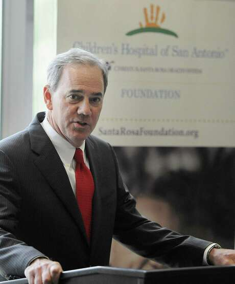 Valero Energy Corp. CEO Joe Gorder made 117 times the median pay at his company in 2017. Photo: Darren Abate /For The Express-News / San Antonio Express-News