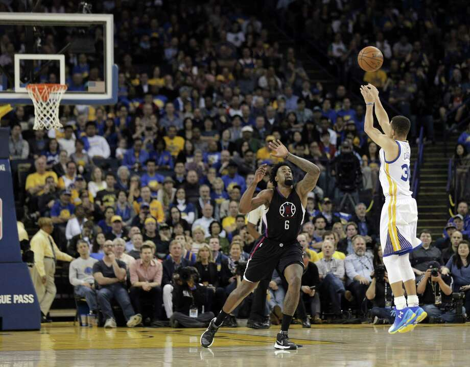 Players once wanted to be like Mike but now most long to be a long-range bomber like Golden State star Stephen Curry, right. Photo: Carlos Avila Gonzalez, Staff Photographer / Carlos Avila Gonzalez - San Francisco Chronicle