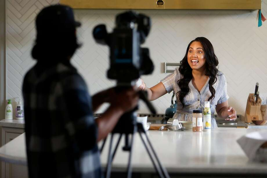 "Ayesha Curry tapes her CSN Bay Area show ""Cookin' with the Currys"" in the kitchen of her home in Walnut Creek, Calif., on Wednesday, March 30, 2016. Photo: Scott Strazzante, The Chronicle"