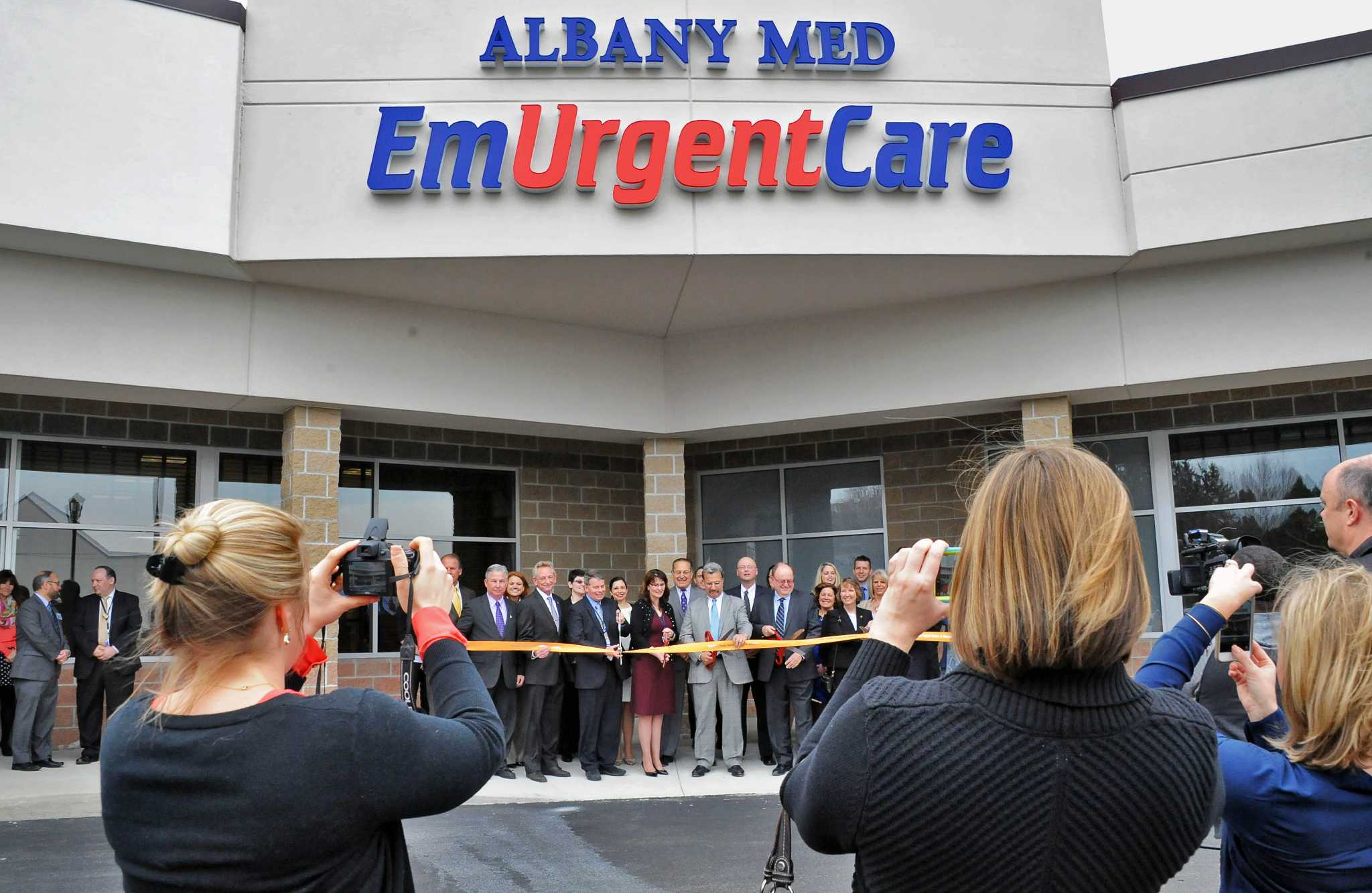 Albany teen center is open