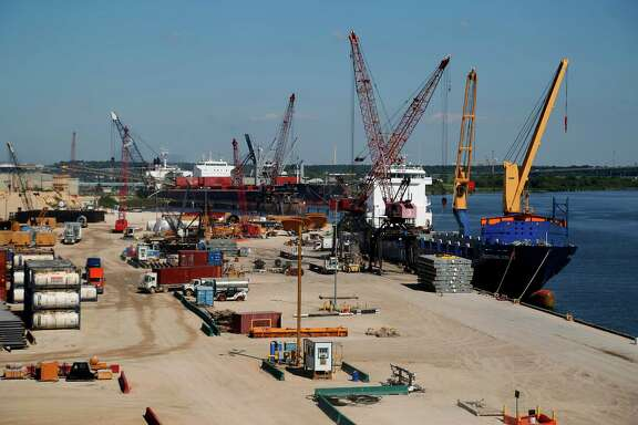 A ship is discharged at Intermarine's facility along the Houston Ship Channel, Wednesday, Sept. 23, 2015. ( Mark Mulligan / Houston Chronicle )